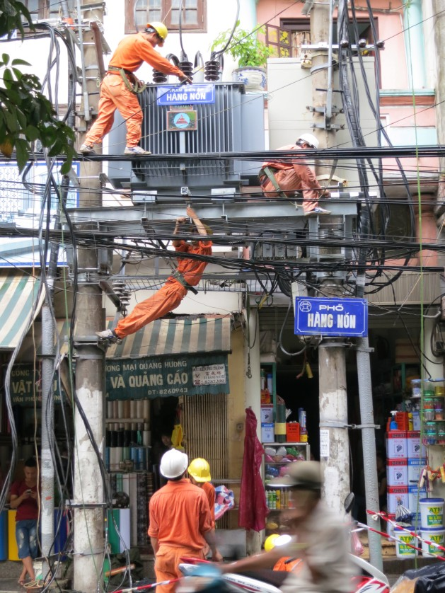 Men At Work Maintaining Mainstreets – Hanoi Style